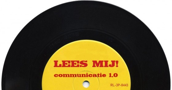 Communicatie 1.0 - Single met tekst 'Lees mij!'